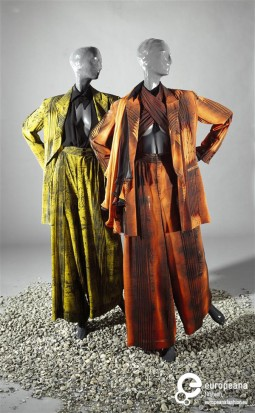 Womens ensemble designed by Claude Montana and Ella Koopman, 1994. Collection Gemeentemuseum Den Haag, all rights reserved.