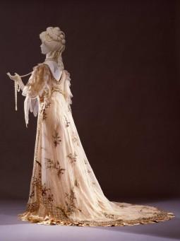 """Embroidered ball gown inspired to the """"Primavera"""" of Botticelli. Design by Rosa Genoni. Milano, 1906.  Courtesy of Galleria del Costume di Palazzo Pitti"""