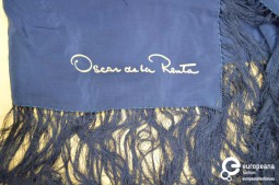 Scarf in silk with fringes by Oscar de la Renta. Courtesy of Heritage and Sustainability - University of Antwerp