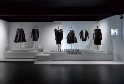 """The exhibition """"Game Changers – Reinventing the 20th century silhouette"""" at MoMu - Fashion Museum Antwerp.  Photo: © MoMu Antwerp/ Stany Dederen"""