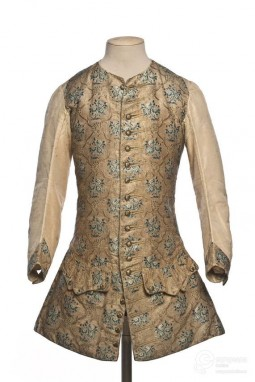 Vest in embroidered silk. 1740/1750. Courtesy of Les Arts Décoratifs, Paris. All rights reserved