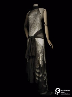 Embroidered Evening Gown designed by Vionnet, 1929, Courtesy Les Arts Décoratifs Paris, All rights Reserved