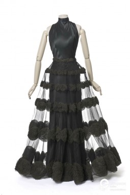 Bias-cut evening dress by Madeleine Vionnet. 1936. Courtesy of Les Arts Décoratifs, Paris. All rights reserved
