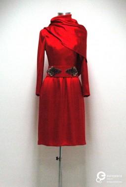 Red dress designed by Valentino. 1971. Courtesy of MUDE - Museu do Design e da Moda, Colecção Francisco Capelo. All rights reserved