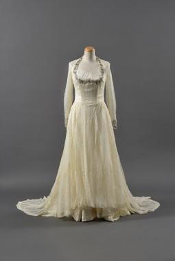 Nicosia, 1952. Bride: Marvel Georgiadou-Christofidi. Collection: Niki-Anna Artemi and Lella Kourri.