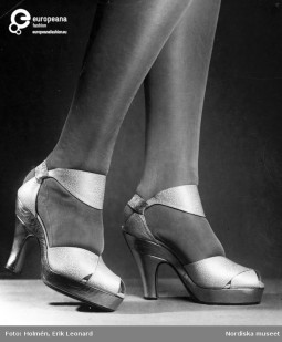 Sandals designed by Andre Perugia, 1938 ca., Courtesy Stiefelsen Nordiska Museet CC BY C