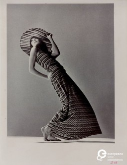 Anjelica Huston wearing Missoni, 1971, Courtesy Missoni Archive, All Rights Reserved