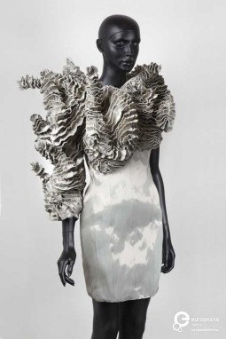 Dress, Iris van Herpen, 2001. Courtesy Centraal Museum, all rights reserved.