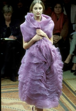 Junya Watanabe, Techno couture collection. Autumn/Winter 2000-01. Photo: Etienne Tordoir for Catwalkpictures.com.