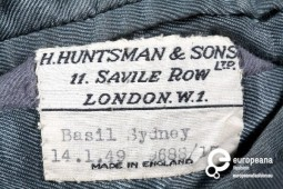 Label of Suit by H. Huntsman & Sons Ltd, Courtesy Gemeentemuseum Den Haag, All Rights Reserved